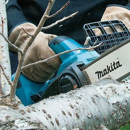 Аккумуляторная пила Makita